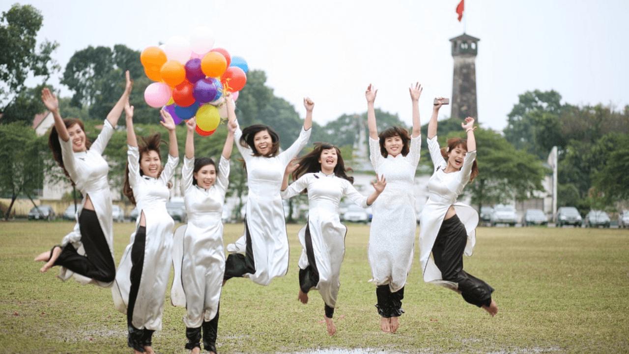 Chinese women jumping